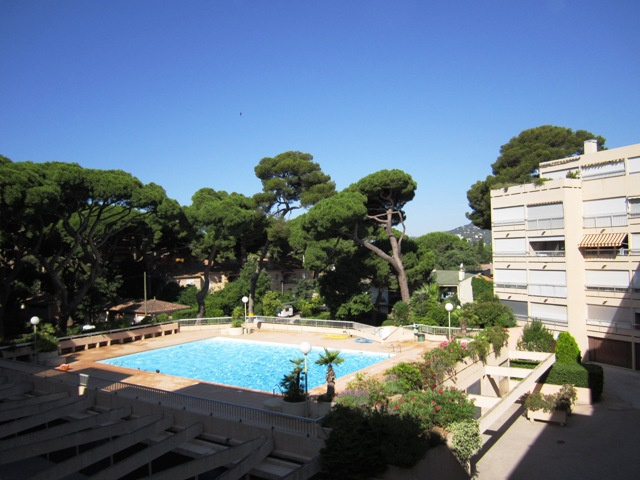 Offres locations vacances t2 piscine hy res plages for Piscine hyeres